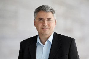 1446624417_Severin_Schwan__Chief_Executive_Officer__CEO__Roche_Group_5-1140x760